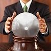 売上増の秘訣は占い!?占い師と顧問契約する企業が急増中?