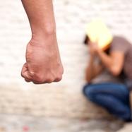 いじめを深刻化させる小学校の、あきれた実態〜被害者の親を責める校長に加害者の親…