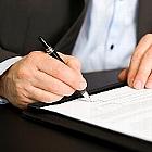 契約書はトラブル予防・リスク回避に有効~自筆署名、実印じゃなきゃダメ?契印とは?