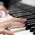 ヤマハに河合、国内ピアノメーカーの苦悩〜年間1万台割れ目前、中国・新興国強化の行方