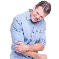テニス肘で苦しむビジネスパーソン、なぜ急増?突然の激痛、確実な治療困難…回避法とは?