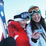 スキー人気、なぜ復活?各地で客数大幅増、関連業界の地道な努力実る、戻るバブル世代…