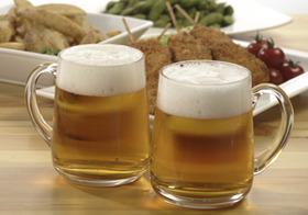 ビール業界、「高級」「第3」好調でも不安なワケ…止まらないビール市場縮小、2極化鮮明
