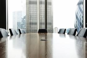 女性役員登用の増加は企業を滅ぼす?海外では株価下落、企業価値棄損、相次ぐ上場廃止…