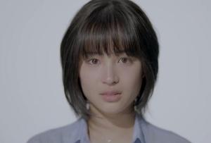 【動画あり】話題の透明感あふれすぎ「ゼクシィ」CM、顔アップ女性は誰?狙いと撮影秘話