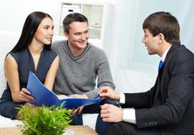 資産運用で利用してはいけない金融機関は?しきりに担当者転勤や乗り換え勧誘…