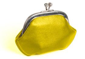 間違いだらけの占いや風水 黄色い財布で金運アップはウソ?大金かければ運気が上がる?