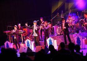 スカパラ、25周年記念ライブにASA-CHANG登場! 元メンバーとして21年ぶりに共演果たす
