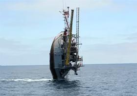 """【驚愕】自ら沈没する船、世界で最も奇妙な「Flip Ship」の""""反転構造""""が凄すぎる!!"""