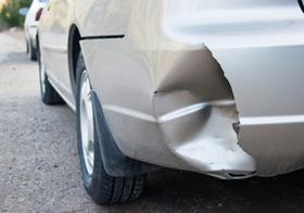 自動車事故、修理に車両保険を使うと損?いくらまでなら自分で払うべきか、その計算方法