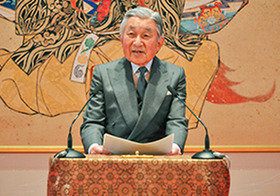 天皇家と安倍政権が対立!? 護憲姿勢強める天皇・皇后を首相の側近が批判!