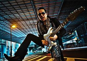 """孤高のギターリストKelly SIMONZが""""超絶""""に語る日本の音楽ビジネスと欧米との違い(後編)"""