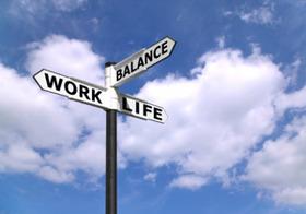 ワークライフバランスのまやかし 超幸せ企業!長時間労働でも社員イキイキ、週3日出勤…