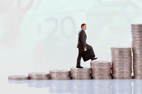 会社の利益約11億でも8億の報酬を得るあの社長 「辞める」と言い続け高額報酬を懐に