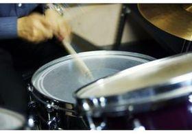海外と日本のバンドの「ドラムの違い」とは? 元アマチュアドラマー兵庫慎司が考える