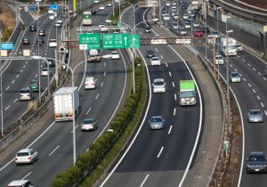 タクシー運転手の20%が居眠りでニアミス経験!タクシー・トラックドライバーの居眠り運転の実態とは