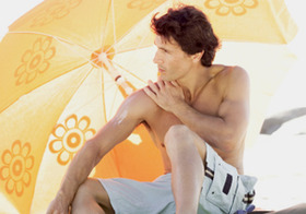 日焼け止めは危険!皮膚がん、ホルモン異常、生殖機能低下の恐れ