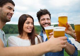 ノンアルビールで太らないのはどっち?トクホと機能性表示食品、どれを買うべき?