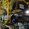 ホンダのスポーツカーS660、車の常識を破壊する革命的意味 手作業で大量生産に逆行