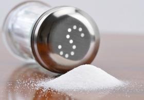 危険な塩分過剰摂取やトランス脂肪酸、なぜ野放し?事業者利益優先の政府の怠慢