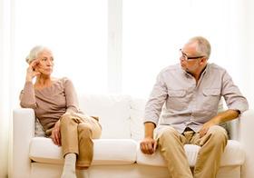 増加する熟年離婚 財産分与、慰謝料、年金分割…男性はお金の消耗大?