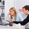 職場のこんな同僚がウザすぎる!非を認めない、人の仕事に口出す、PCキー叩くのうるさい…