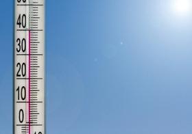 異常な猛暑で経済マイナス成長?「猛暑で消費拡大」がはらむリスク