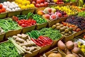 野菜や果物、農薬まみれで発がん性の危険?コンビニやスーパーのカット野菜は栄養価ゼロ?