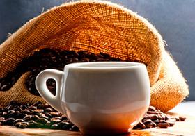 コーヒー、カフェインレスが「熱い」!スタバやタリーズでも登場!