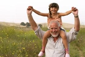 人生後半を健康かつ幸せに過ごせるかは、若年期の生活が大きく左右するという現実