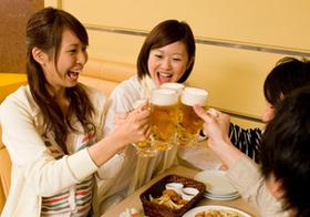 飲み会続きで痛んだ肝臓、コンビニのドリンクやサプリは無意味?薬や白米、白砂糖もNG!