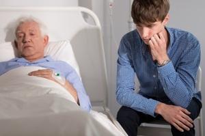社員の老親介護問題、企業存続を揺るがす深刻さ…自分で介護&費用拠出はダメ