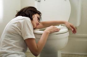 突然襲う嘔吐と下痢、命にかかわる危険も…激増のウイルス性急性胃腸炎、どう対処?