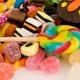スーパー等の菓子は危険!非表示で安い合成添加物まみれ、 ビタミンB2もただの着色料