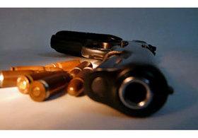牧場経営者による保険金目当ての「自作自演」か。「北海道サラブレッド射殺事件」の容疑者が逮捕