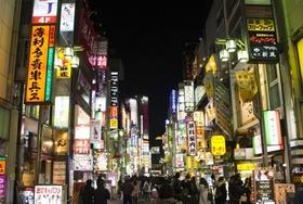 歌舞伎町の客引きは、なぜ1カ月でごっそり入れ替わる?確実にぼったくり店行きの事情