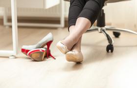 朝の足のむくみは危険!夕方の顔のむくみも…心臓・腎臓の障害の可能性
