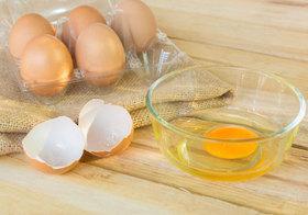 生卵や半熟オムレツは危険!食中毒で重い後遺症も…鶏肉刺身や豚レバ刺も!
