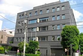 大手薬局チェーン社長の超高額給料を日本医師会が問題視!薬局の「儲けすぎ」体質露呈か