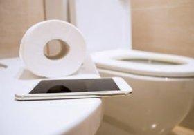 世界一清潔なトイレにスマホを持ちこむ日本人の衛生感覚