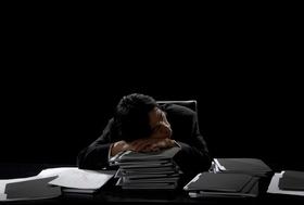 残業&がむしゃら働きは当然!を強要するバカ上司!採用試験、「男より女が優秀」が鮮明に