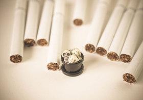 タバコ、箱の警告画像がグロすぎる!がんの患部、性機能障害…将来は箱の半分が警告表示?