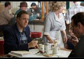 """『トランボ』新場面写真公開 D・オゴーマン、M・スタールバーグ、J・グッドマンらが""""映画人""""に"""