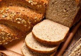 白いご飯やパンは血管を痛める!?玄米や全粒粉のパンの摂取量が多いほど心血管疾患による死亡率が低くなると判明