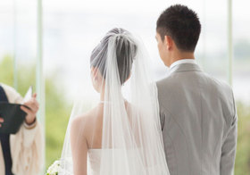 結婚願望ある若者男子、ついに4割以下に…結婚しても「披露宴なし」が当たり前に