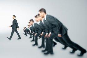 常に100%の完成度を目指して「仕事がデキない」人、8割でやめて大きな成果を上げる人