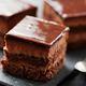 なぜ、キツい仕事後にチョコケーキを選ぶのか?私たちを「快楽的消費」に走らせる正体