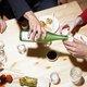 3千円で多彩な日本酒を時間無制限飲み放題の店、なぜ儲かる?店の客もトクするカラクリ