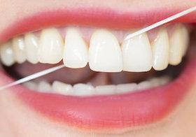 衝撃報告! デンタルフロスに虫歯予防の効果なし~実は多くの人が正しく使えていない!