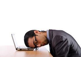 「寝溜め」ができない理由が判明~睡眠時間は<起きていた時間>より<体内時計>が決める